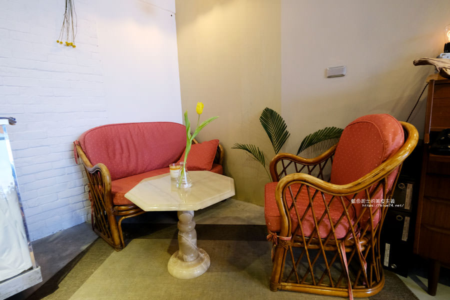 20180501002733 77 - 蒔蘿子咖啡選物工作室-空間不大但滿迷人的.一中商圈深夜咖啡
