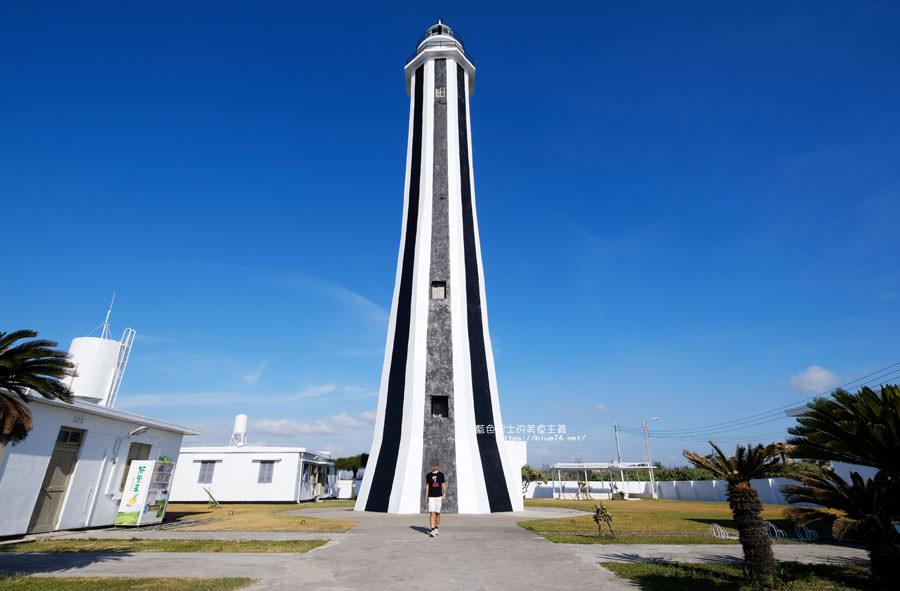 彰化芳苑│芳苑燈塔-台灣最年輕的燈塔.也稱王功燈塔.獨樹一格的黑白配