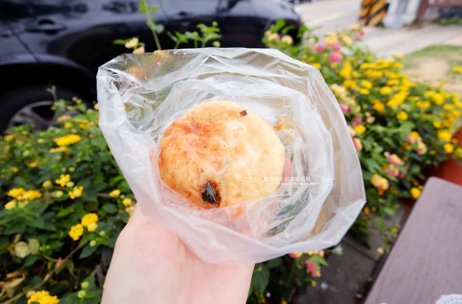 20180510011615 66 - 有春早點|國術館裡的早餐店,古早味麵糊蛋餅加上水煎包,再訪饅頭加燒餅