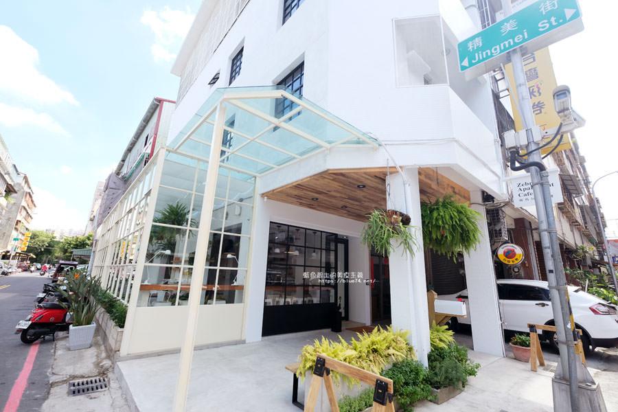 20180515122547 69 - 斑馬公寓咖啡│綠意點綴視覺系玻璃屋,還有網美必拍斑馬打卡牆喔
