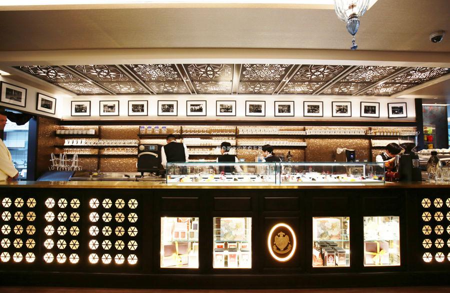 20180522221624 55 - 熱血採訪│福里安花神咖啡台中店-世界最美咖啡館、歐洲最古老咖啡廳、全球第七家分店就在台中新光三越