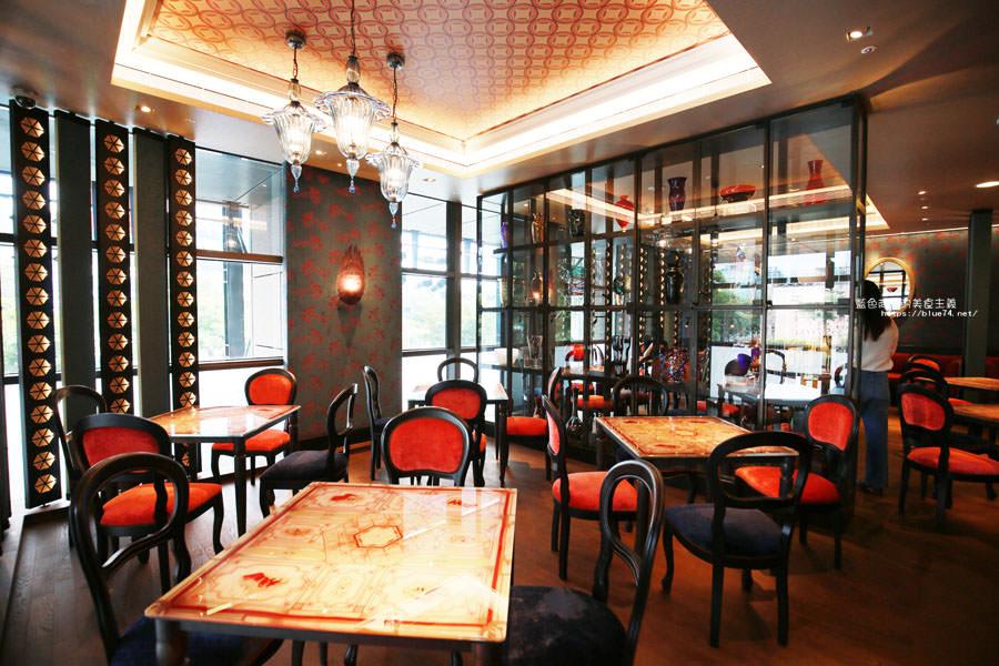 20180522221631 71 - 熱血採訪│福里安花神咖啡台中店-世界最美咖啡館、歐洲最古老咖啡廳、全球第七家分店就在台中新光三越