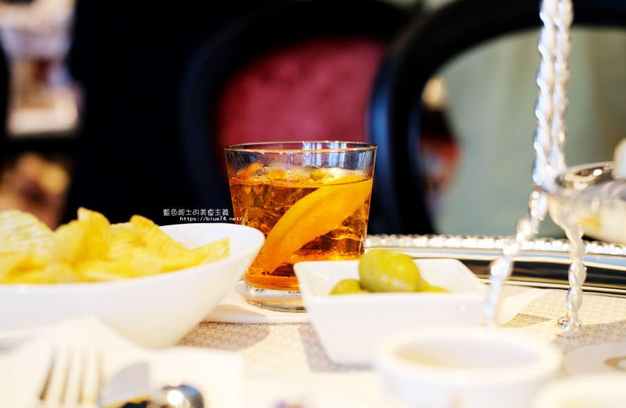20180522221806 19 - 熱血採訪│福里安花神咖啡台中店-世界最美咖啡館、歐洲最古老咖啡廳、全球第七家分店就在台中新光三越