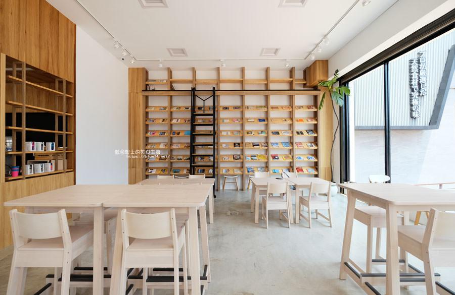 20180625224355 45 - 說書旅人│旅遊書牆,舒適空間,大里值得推薦麵包咖啡館