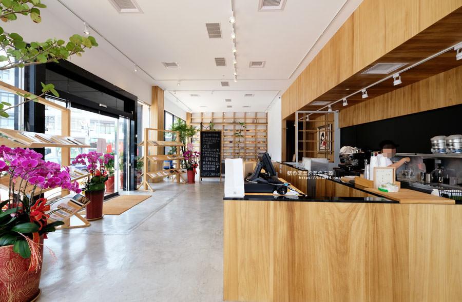 20180625224355 74 - 說書旅人│旅遊書牆,舒適空間,大里值得推薦麵包咖啡館