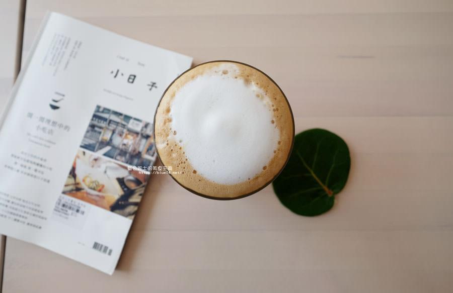 20180625224400 30 - 說書旅人│旅遊書牆,舒適空間,大里值得推薦麵包咖啡館