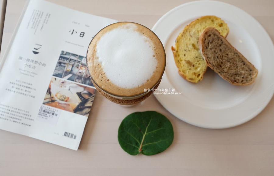 20180625224411 1 - 說書旅人│旅遊書牆,舒適空間,大里值得推薦麵包咖啡館