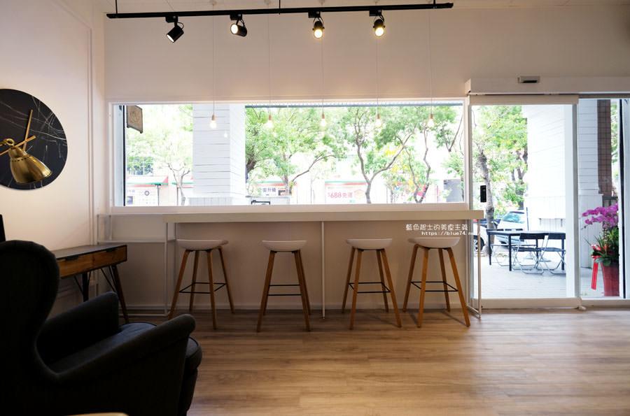 台中西屯│時茶-中科商圈咖啡館再一家,可以從午餐吃到下午茶,連消夜都兼顧到了