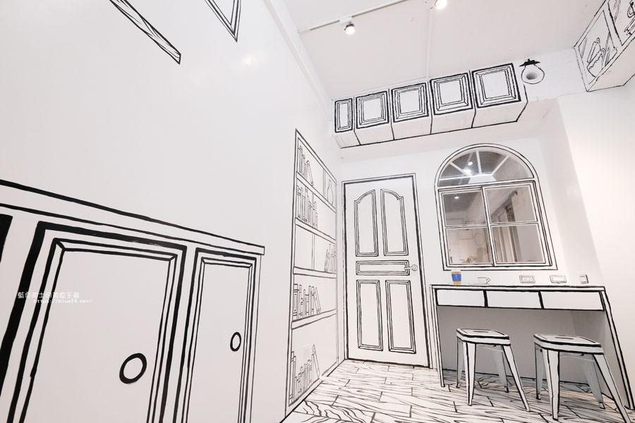 20180710163712 45 - Goddess Cafe│走進漫畫世界裡,超酷的2D黑白漫畫感咖啡廳