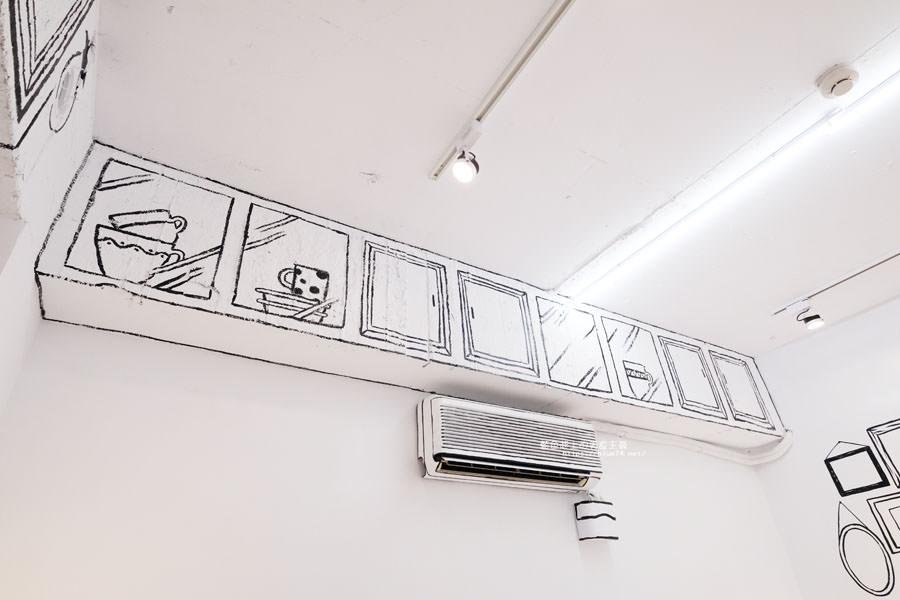 20180710163714 43 - Goddess Cafe│走進漫畫世界裡,超酷的2D黑白漫畫感咖啡廳