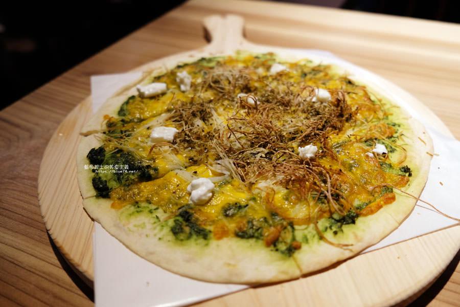 20180715021400 99 - 斐得蔬食│國美館商圈美食,用餐區讓人喜愛的木質調和綠意