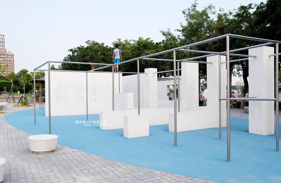 20180717021234 30 - 豐樂雕塑公園-全台第一座公立雕塑公園及跑酷設施公園,增設磨石子溜滑梯、翹翹板、鞦韆、沙坑