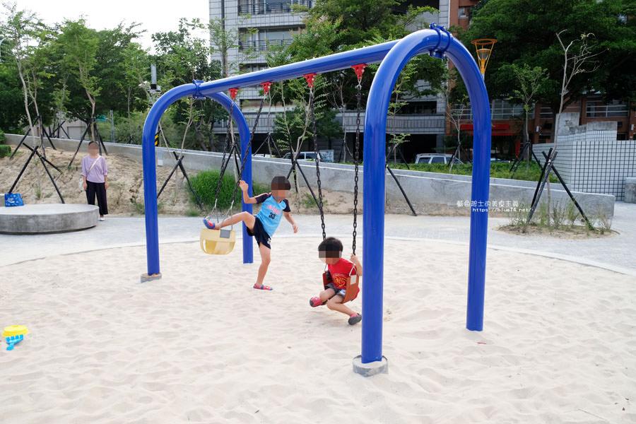20180717021239 22 - 豐樂雕塑公園-全台第一座公立雕塑公園及跑酷設施公園,增設磨石子溜滑梯、翹翹板、鞦韆、沙坑