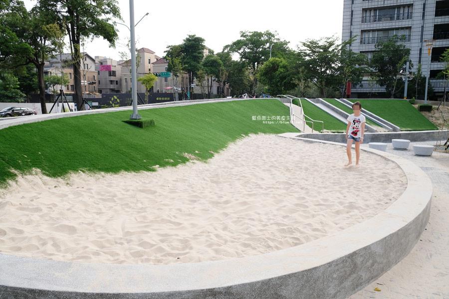 20180717021249 16 - 豐樂雕塑公園-全台第一座公立雕塑公園及跑酷設施公園,增設磨石子溜滑梯、翹翹板、鞦韆、沙坑