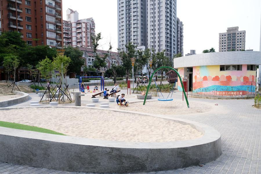 20180717021255 100 - 豐樂雕塑公園-全台第一座公立雕塑公園及跑酷設施公園,增設磨石子溜滑梯、翹翹板、鞦韆、沙坑
