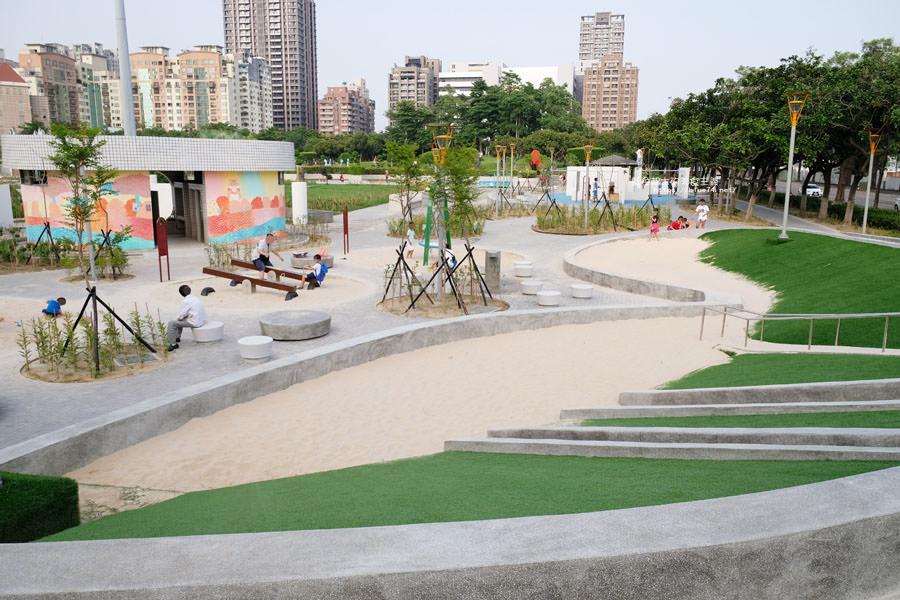 20180717021256 49 - 豐樂雕塑公園-全台第一座公立雕塑公園及跑酷設施公園,增設磨石子溜滑梯、翹翹板、鞦韆、沙坑