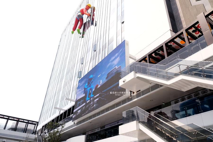 20180719012712 93 - 台中軟體園區Dali Art藝術廣場-全台最大裝置藝術藍色大巨人和巨大玫瑰花降臨藝術廣場,必拍亮點