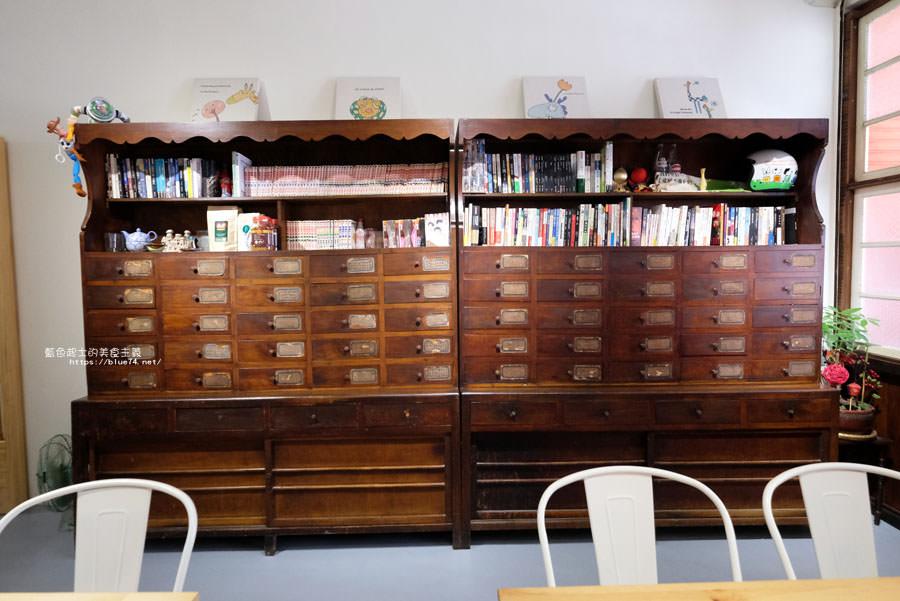 20180808182533 35 - 野人小築│大甲老屋咖啡館,舊漫畫老歌懷舊氛圍還有歷史中藥櫃