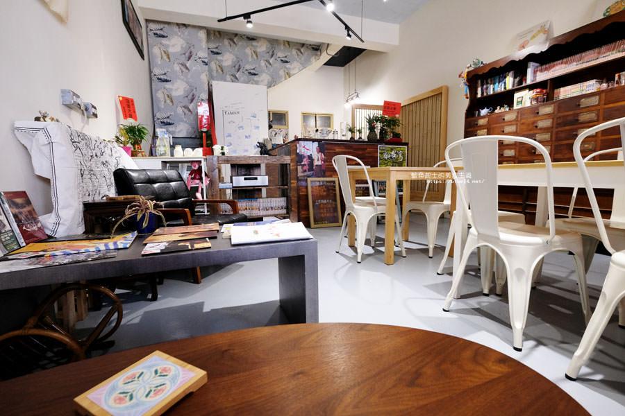 20180808182549 25 - 野人小築│大甲老屋咖啡館,舊漫畫老歌懷舊氛圍還有歷史中藥櫃