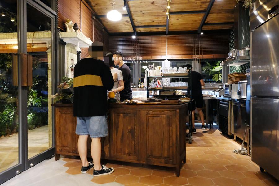 20180929002400 90 - 山色│山林香的泰式咖哩品牌專門店落腳黎明新村,將紅、黃、綠三種咖哩再升級
