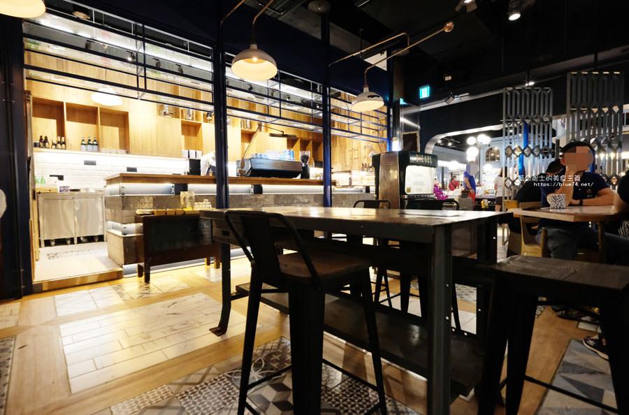 20181011005029 42 - GRIT Mojocoffee-復古華麗風格還有老件,Mojo在秀泰台中文心店