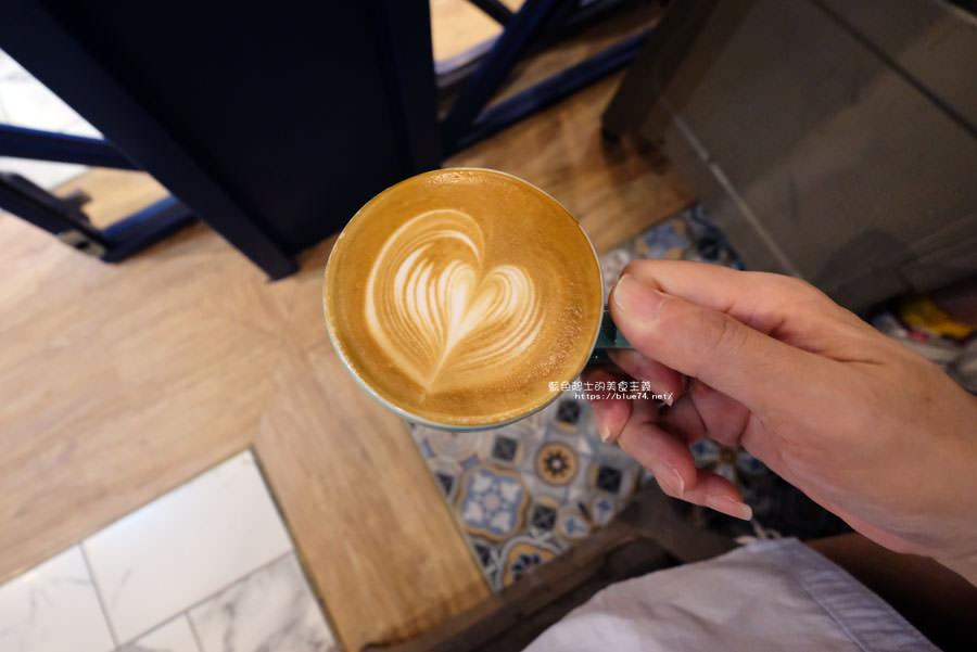 20181011005036 37 - GRIT Mojocoffee-復古華麗風格還有老件,Mojo在秀泰台中文心店