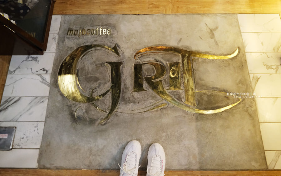 20181011005053 32 - GRIT Mojocoffee-復古華麗風格還有老件,Mojo在秀泰台中文心店
