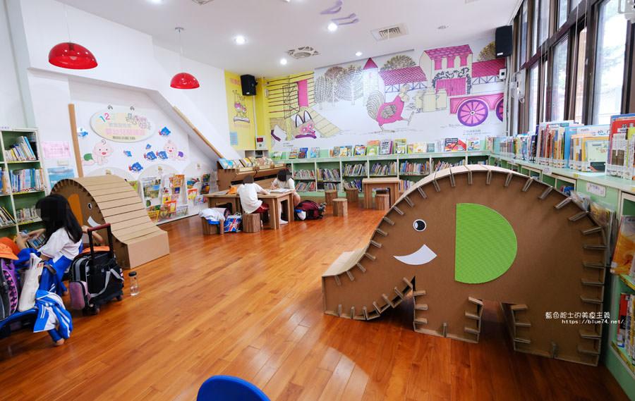20181101020409 15 - 臺中市立圖書館后里分館│全台第一座紙圖書館落腳在后里