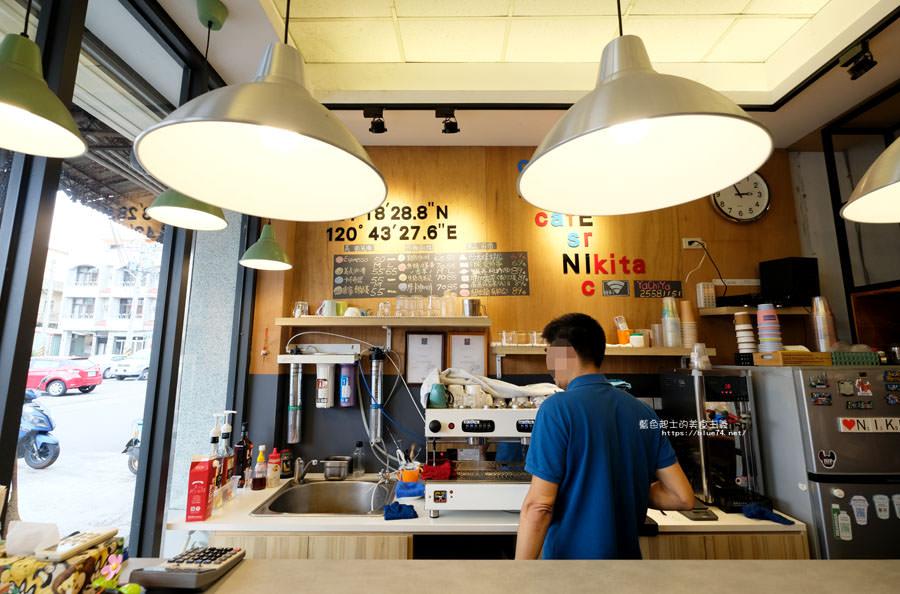 台中后里│雅淇亞義式咖啡站-老闆開玩笑說,擁有最大停車場的后里咖啡館