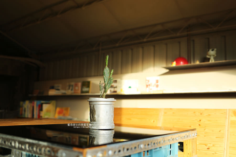 20181108013946 48 - 家務室友善環境生活雜貨│喜愛二樓像小閣樓秘密基地的下午茶甜點空間