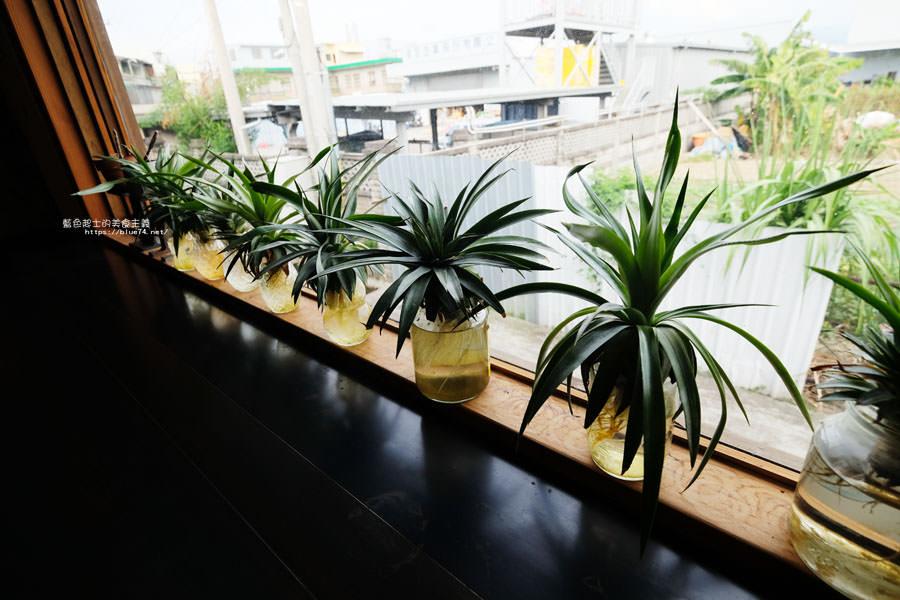 20181108014109 24 - 家務室友善環境生活雜貨│喜愛二樓像小閣樓秘密基地的下午茶甜點空間