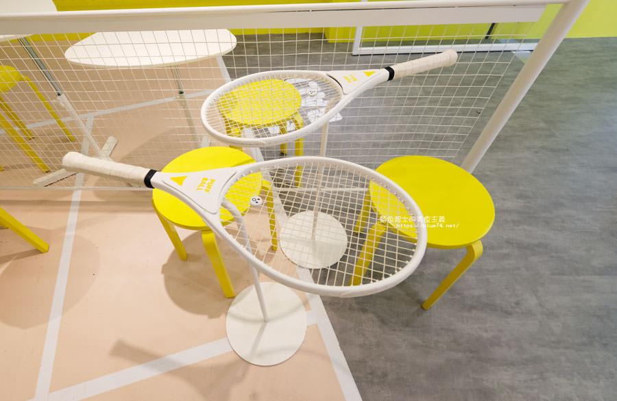 20181123015245 2 - Puff Ball泡芙球│在網美風的網球場裡吃泡芙,置物櫃變成取餐檯,可愛店員穿著網球裝,趕快來拍照打卡