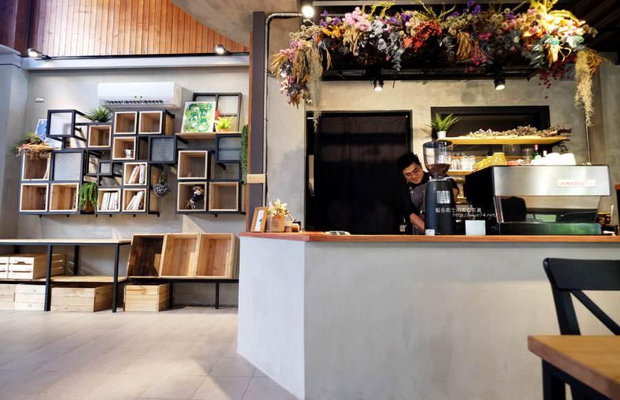 20181126001500 87 - 台中舊城綠川旁的文青書店,家庭手作美食和甜點
