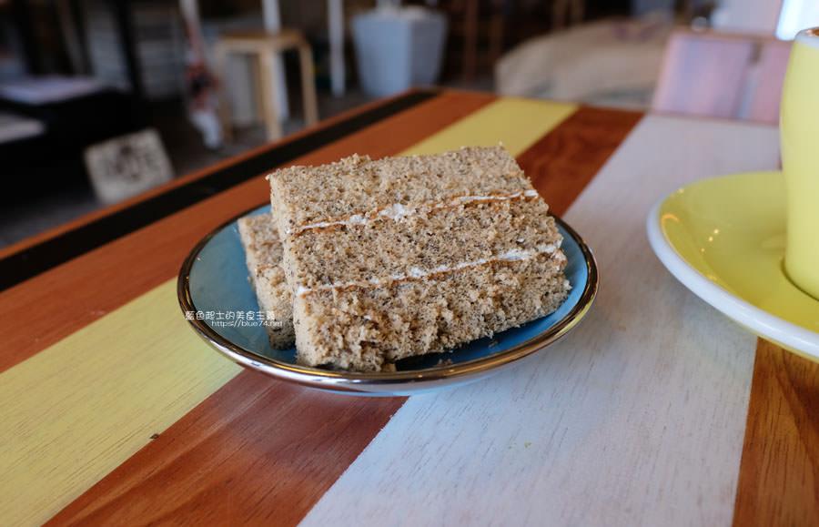 20181225014300 23 - Yocano coffee洋記豆行-低調外觀自在空間,咖啡茶飲品、時令甜點,近梧棲新天地