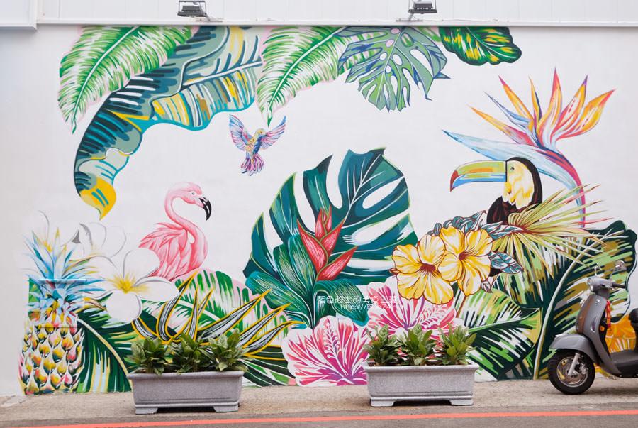 20190120124901 10 - 日青咖啡│網美咖啡館,藍白色系清新外觀,加分IG拍照打卡彩繪牆