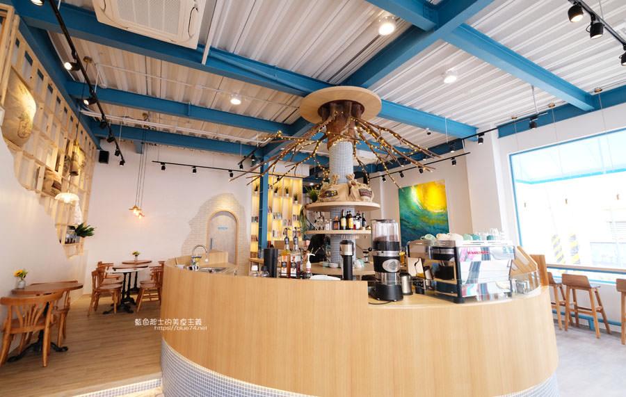 20190120124909 30 - 日青咖啡│網美咖啡館,藍白色系清新外觀,加分IG拍照打卡彩繪牆
