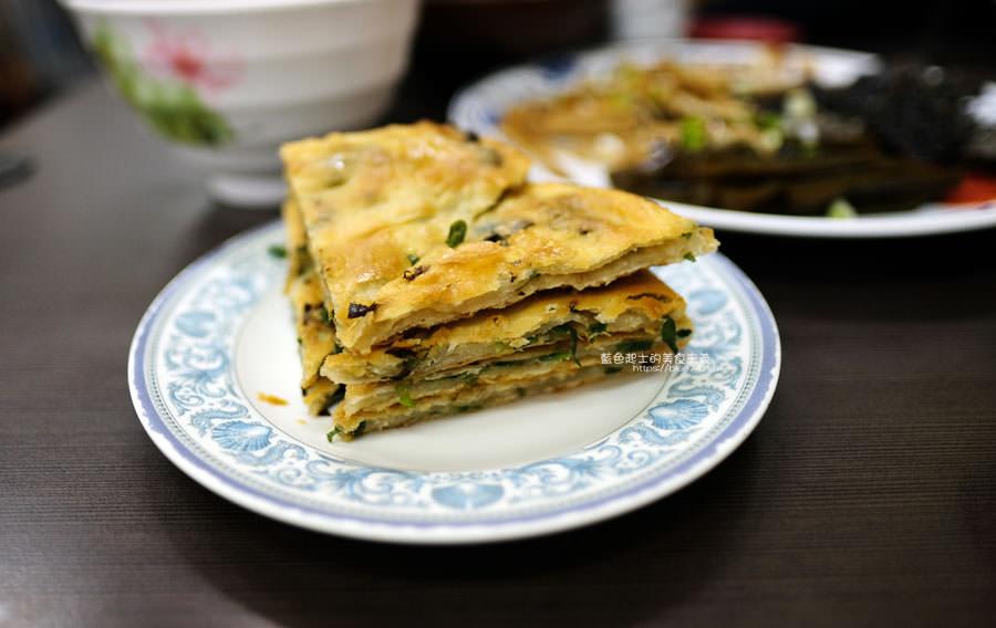 20190122141235 99 - 何記牛肉麵-手工蔥油餅薄酥,牛肉麵肉嫩,小菜入味好吃