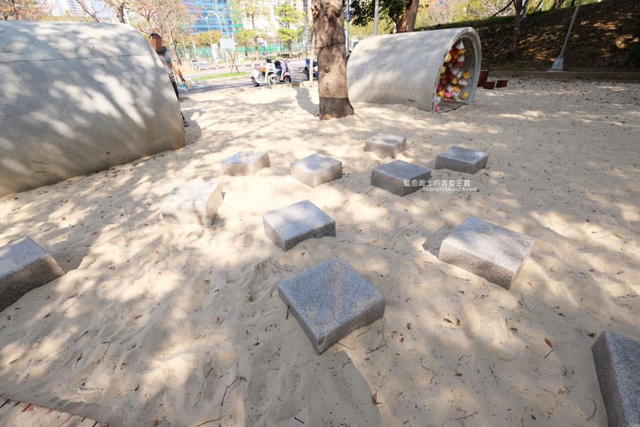 20190127123422 65 - 文心森林公園-十二感官遊戲體驗區,溜滑梯、盤型鞦韆、涵管通道,小孩玩嗨~
