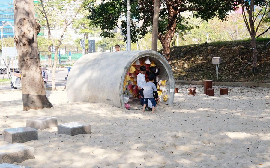 20190127123439 42 - 文心森林公園-十二感官遊戲體驗區,溜滑梯、盤型鞦韆、涵管通道,小孩玩嗨~