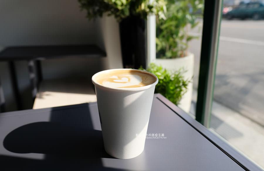 20190131021054 81 - No.11 Coffee-海線外帶平價咖啡,也有內用區,白色系大IG打卡牆