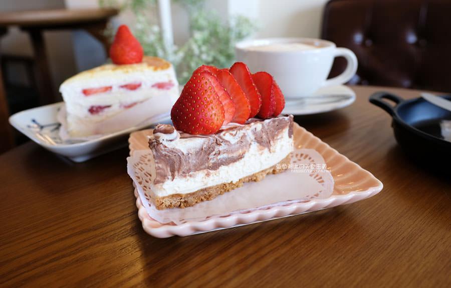 20190212005414 98 - 此時甜點店│海線美食人氣千層蛋糕,想吃早點來,不然就看到粉絲頁公告甜點售完了喔