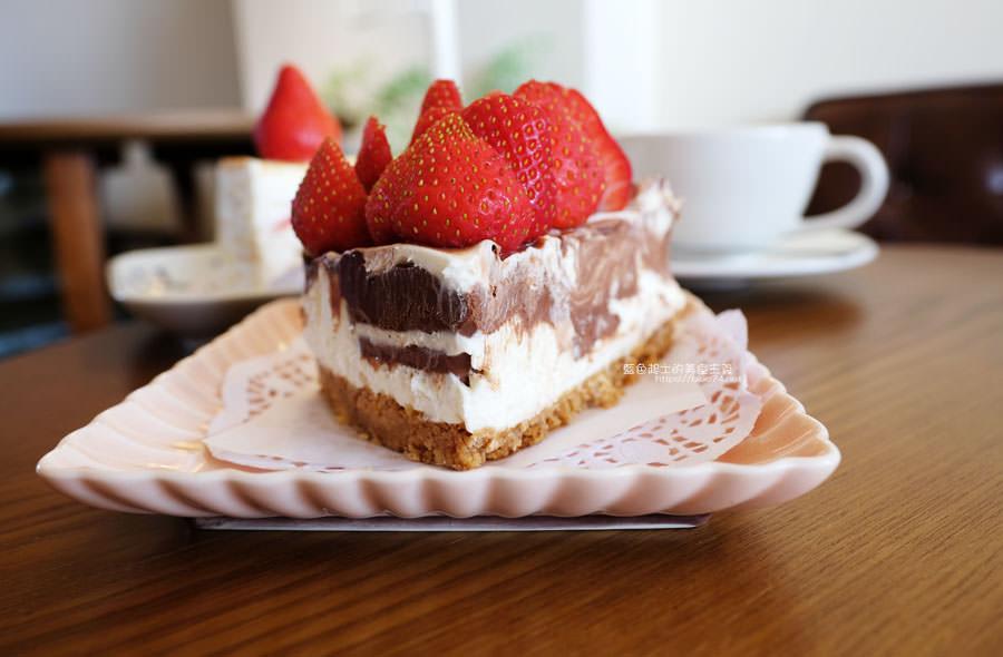 20190212005416 43 - 此時甜點店│海線美食人氣千層蛋糕,想吃早點來,不然就看到粉絲頁公告甜點售完了喔