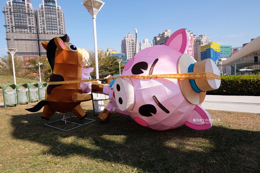 20190213230159 84 - 2019中台灣元宵燈會-新打卡點創意皮克區,還有限量飛天豬小提燈發放時間和晚會活動及交通資訊