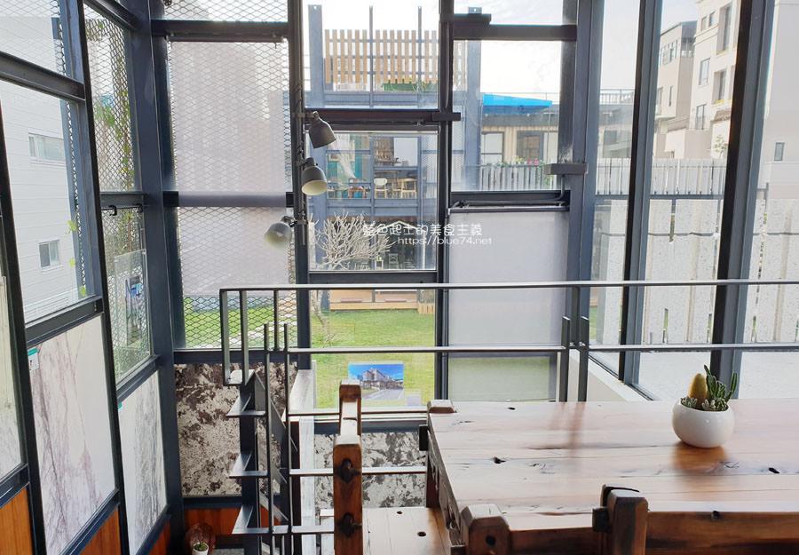20190305013814 30 - 米石里│除了輕食,還有居家石材和實木設計傢俱的展示,空間美學自己來