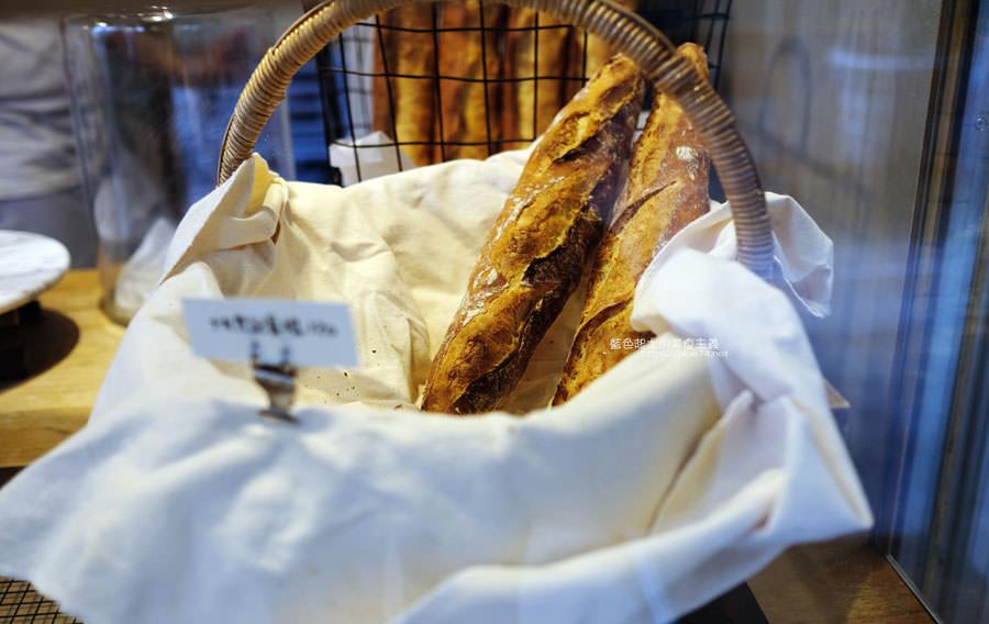 20190305223227 77 - 麵包林里│南屯老街烘焙香,職人精神的北海道函館牛奶吐司、可頌、歐式麵包
