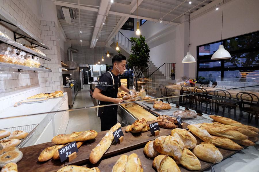 20190305232442 36 - 麵包林里│南屯老街烘焙香,職人精神的北海道函館牛奶吐司、可頌、歐式麵包