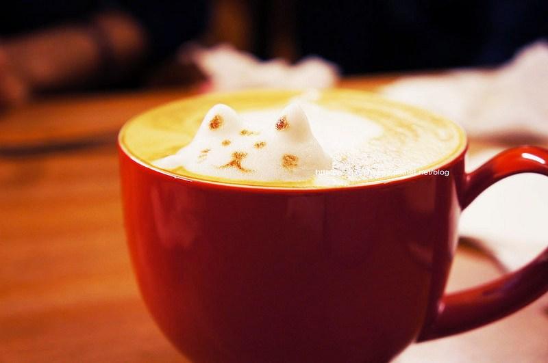 【台中豐原】沐沐咖啡-豐原也有立體貓拉花耶,超小一間的,麻煩人數全部到齊再開門喔