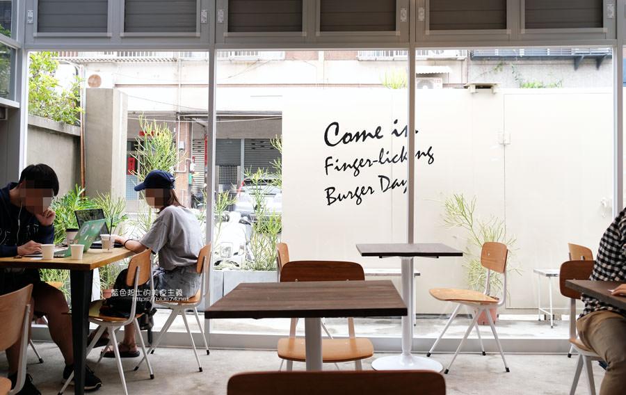 20190503111413 85 - 早伴漢堡Zaoban Burger-早伴早餐推出速食新風格,台中美術館商圈美食推薦