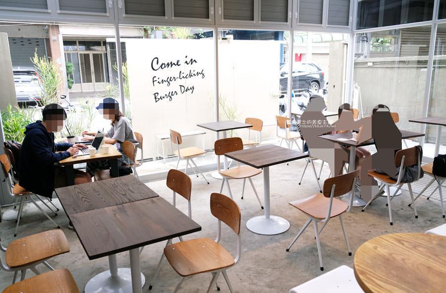 20190503213618 68 - 早伴漢堡Zaoban Burger-早伴早餐推出速食新風格,台中美術館商圈美食推薦