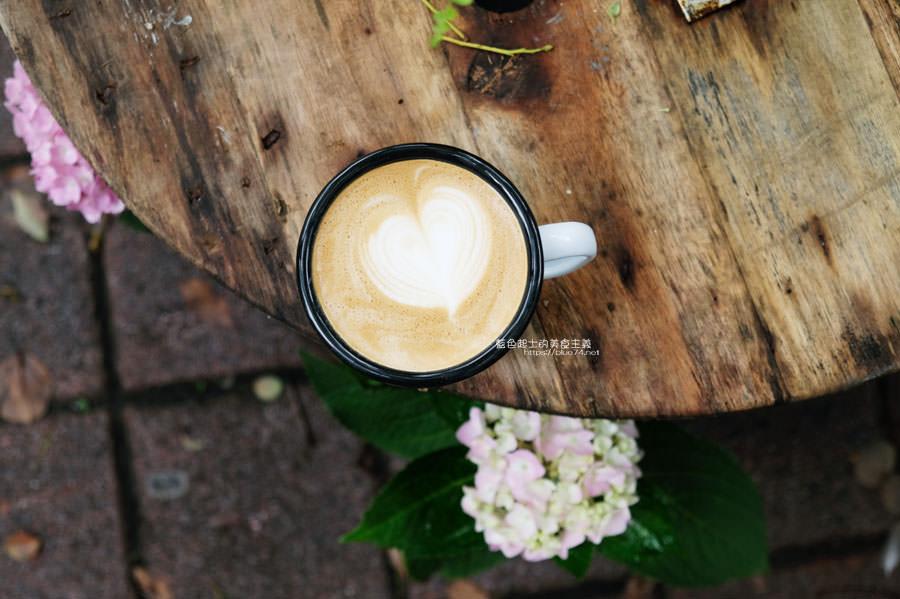 20190508132358 4 - Stockie Coffee-從咖啡車到騎樓店面,與花穀子花藝設計工作室的複合空間